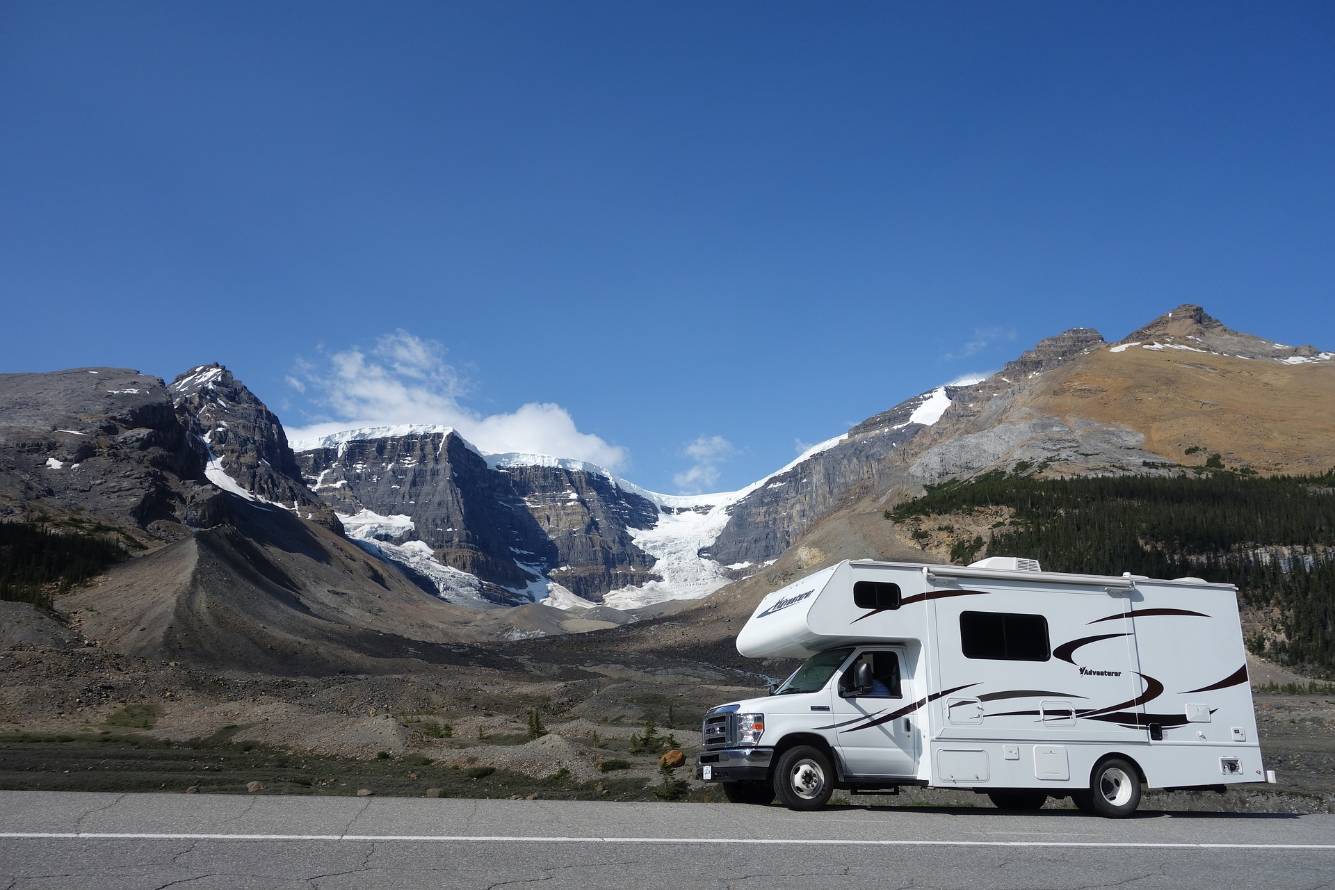 Wohnmobil mieten und Campingurlaub genießen